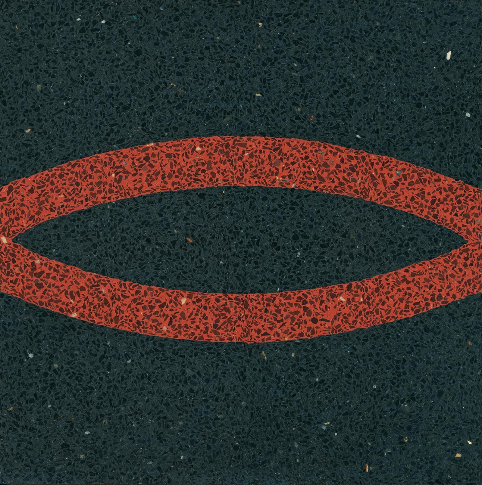 VIA Terrazzoplatte rotes Muster auf schwarz