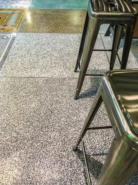 terrazzo-fugenlos-viaplatten |