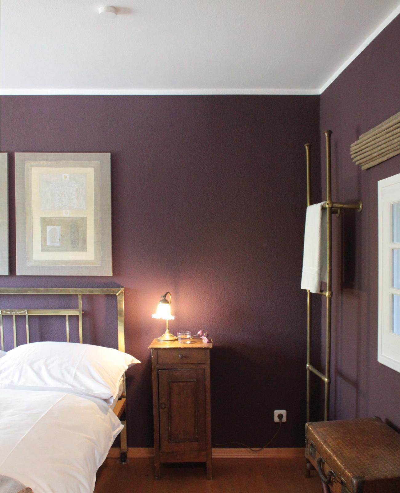 kreidefarbe-Wolkenweiß-112-schlafzimmer-02-zementfliesen-terrazzofliesen-viaplatten | Kreidefarbe Wolkenweiß 2500 ml