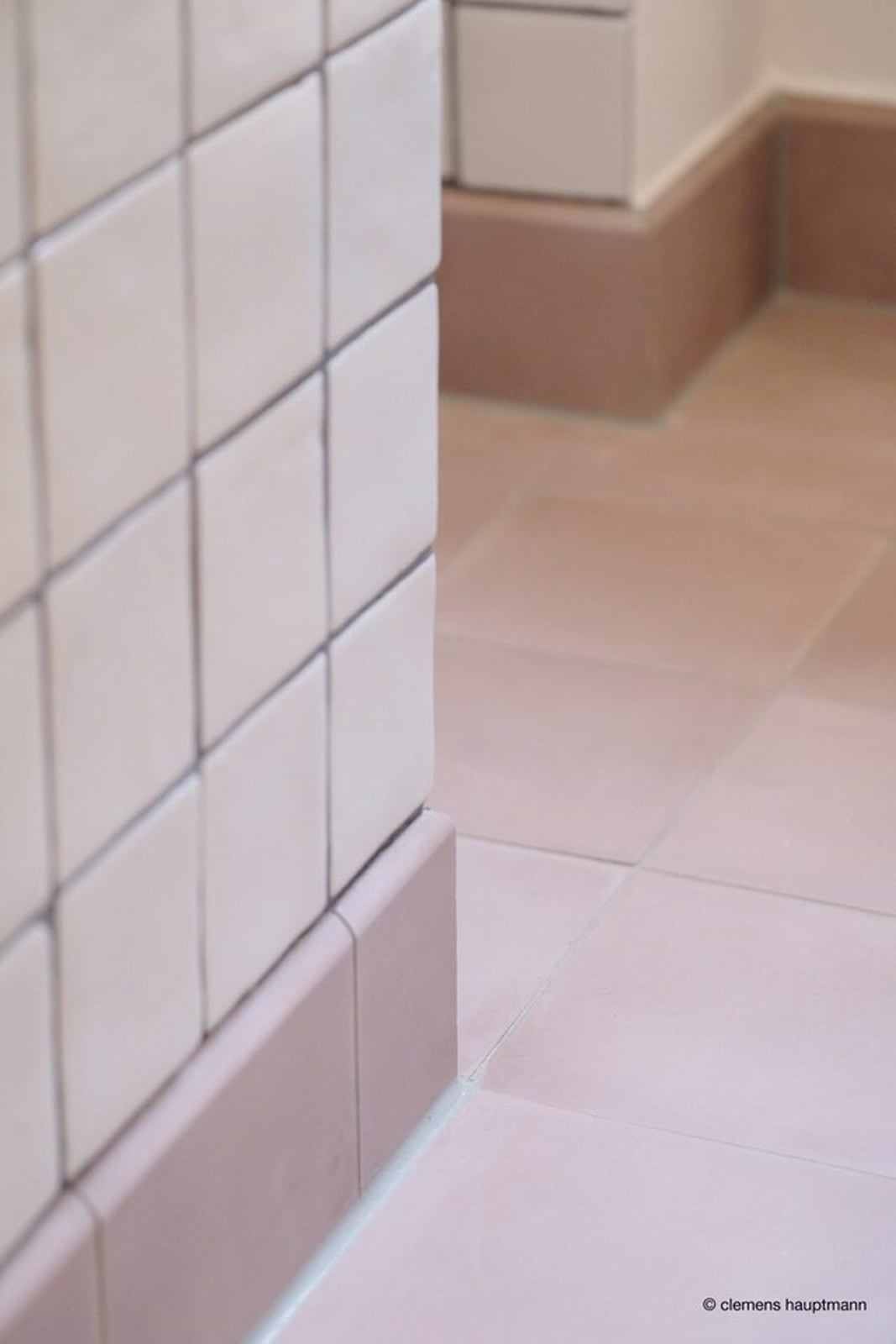 zementfliesen-terrazzofliesen-kreidefarbe-terrazzo-fugenlos-viaplatten-80-bad | 80