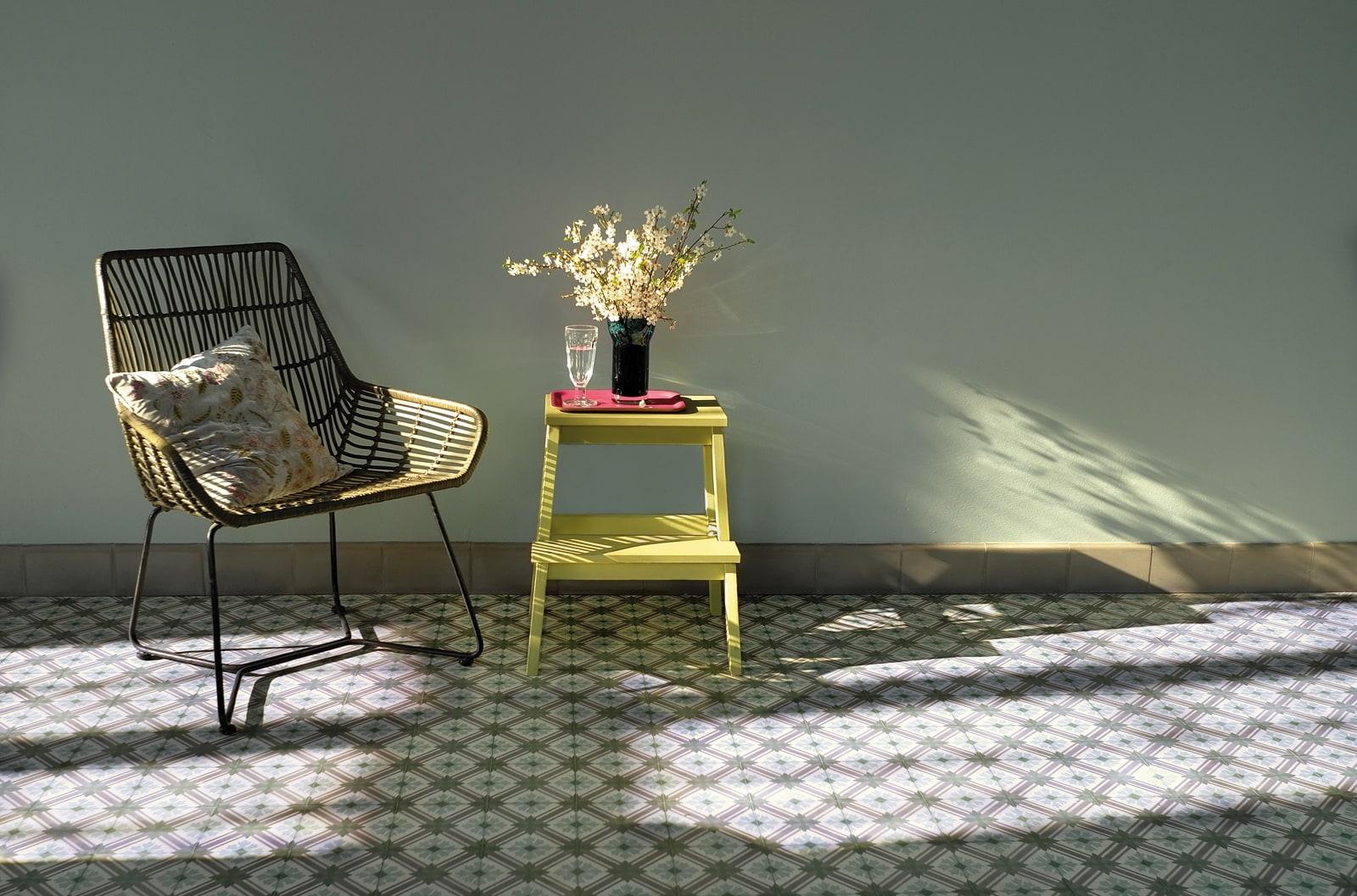 zementfliesen-terrazzofliesen-kreidefarbe-Nilgruen-terrazzo-fugenlos-detail-viaplatten | Kreidefarbe Nilgrün 60 ml