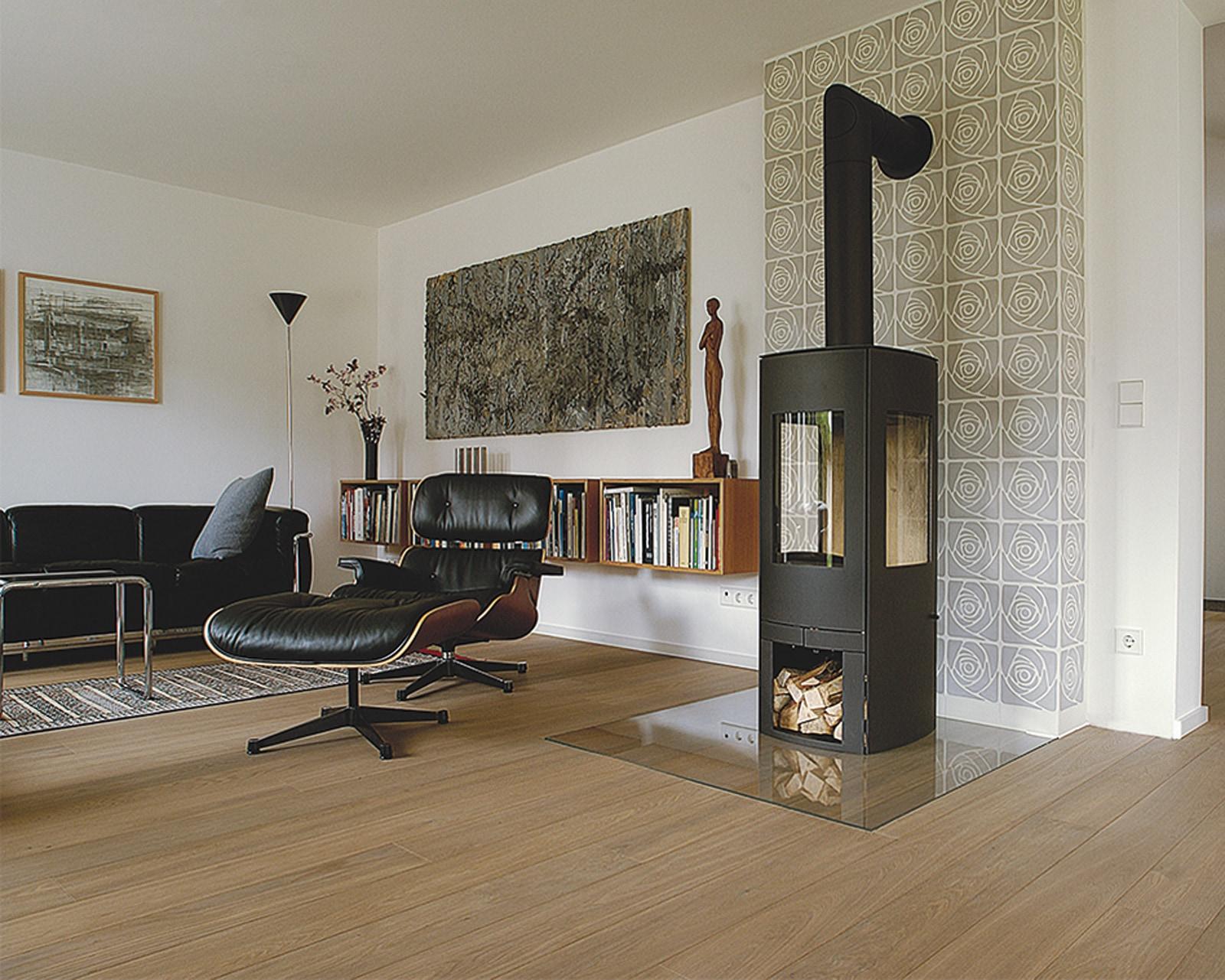 zementfliesen-11352-Ofenwand_Foto Bettina Krug-Nusser-viaplatten | 11352