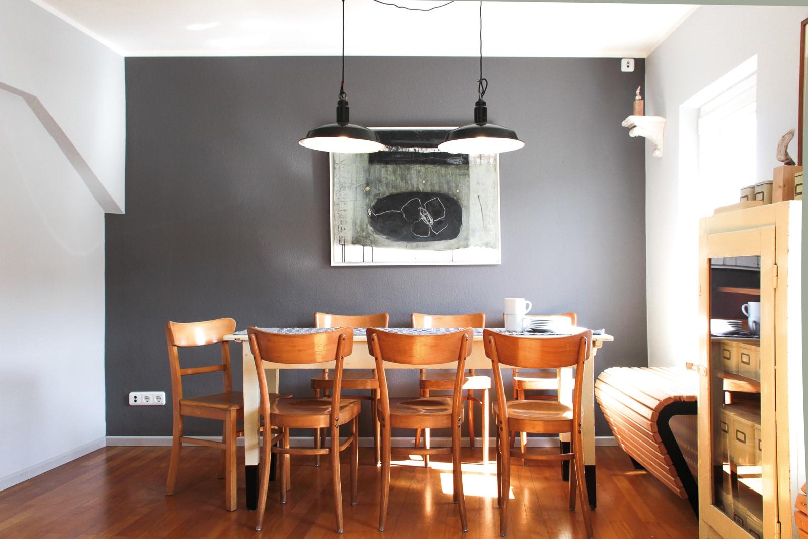 VIA-Kreidefarbe-512-Wollweiss-Wand-links