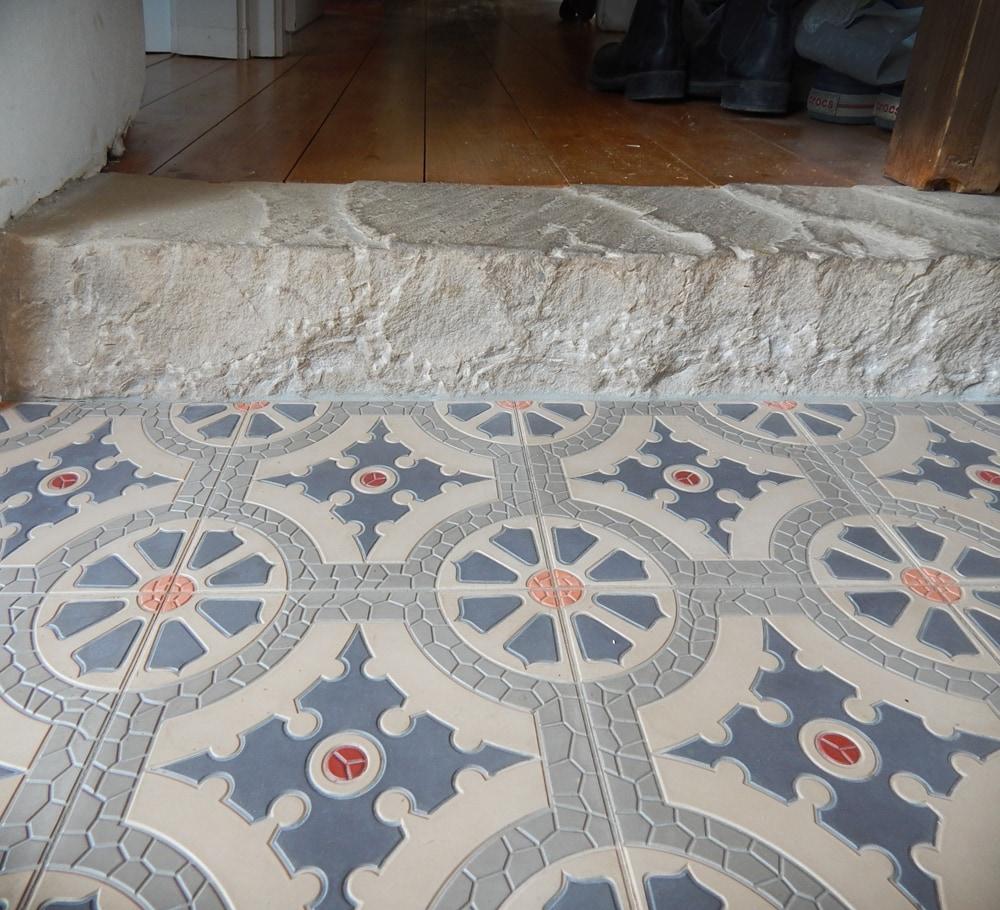 via_zementmosaikplatten_zementfliesen_zementplatten_terrazzoplatten_kreidefarben_nummer_41152_20x20cm_flur__steffen_sch_cher_06 | 41152