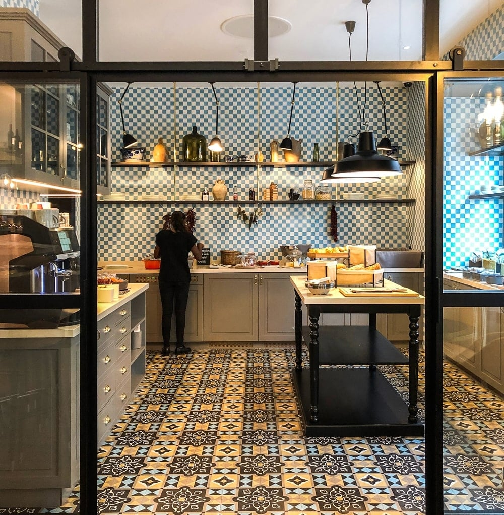 zementmosaikplatten-muster-nummer-12460-hotel-opera-via-gmbh | 10351