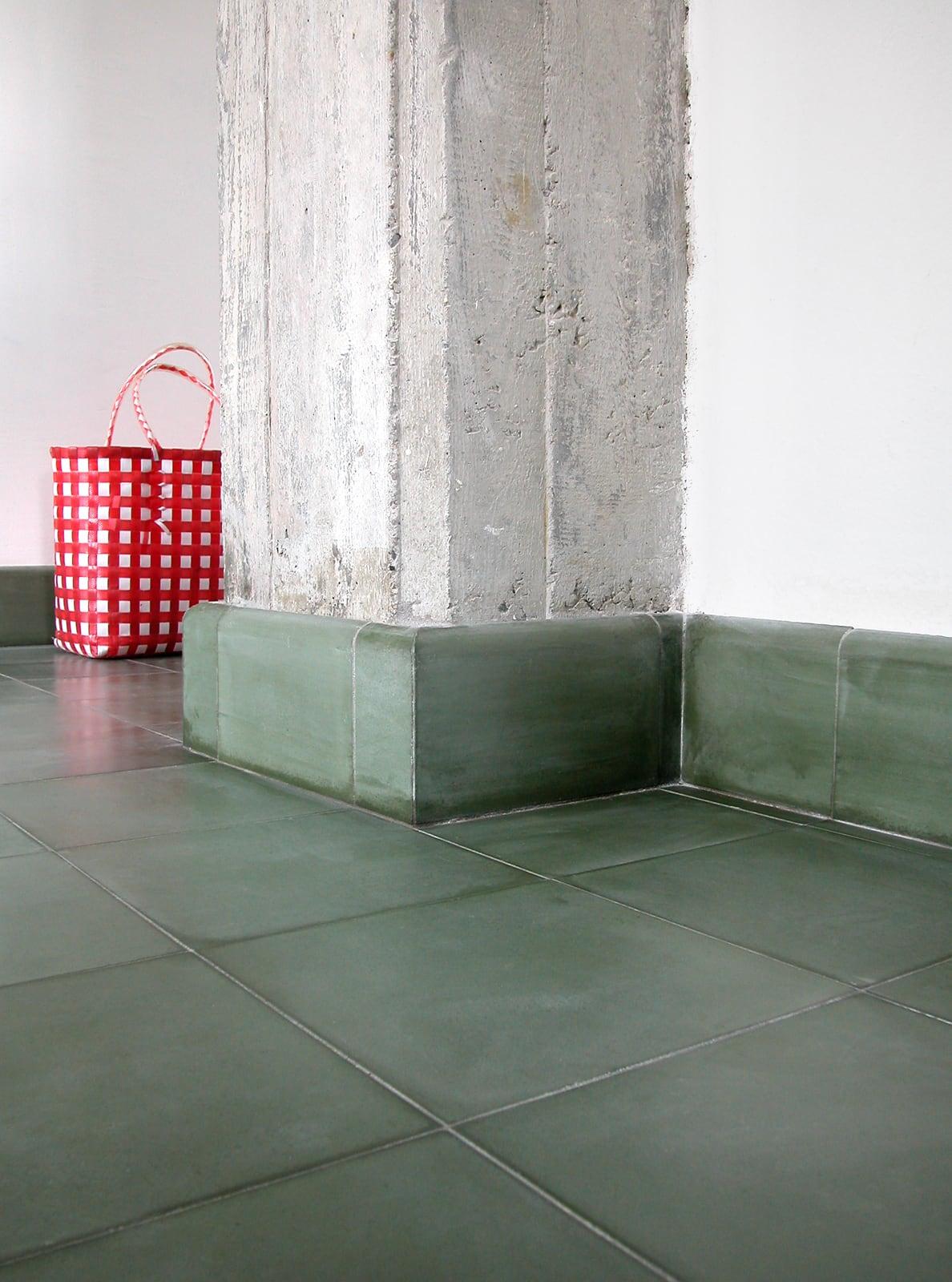 zementfliesen-terrazzofliesen-kreidefarbe-terrazzo-fugenlos-viaplatten-53-sockel | 53