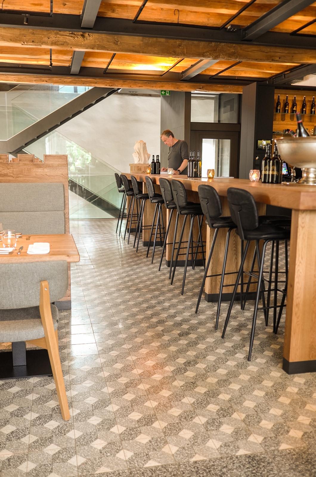 VIA Terrazzo auf dem Boden eines Restaurants