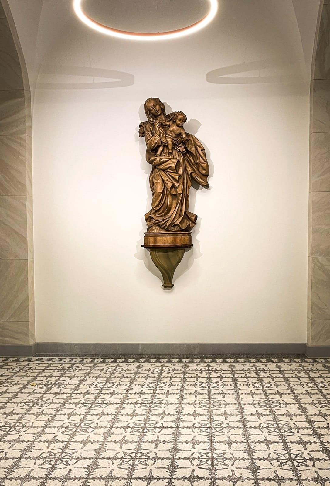zementfliesen-terrazzofliesen-kreidefarbe-terrazzo-fugenlos-nr.911254-viaplatten-kloster | 911254