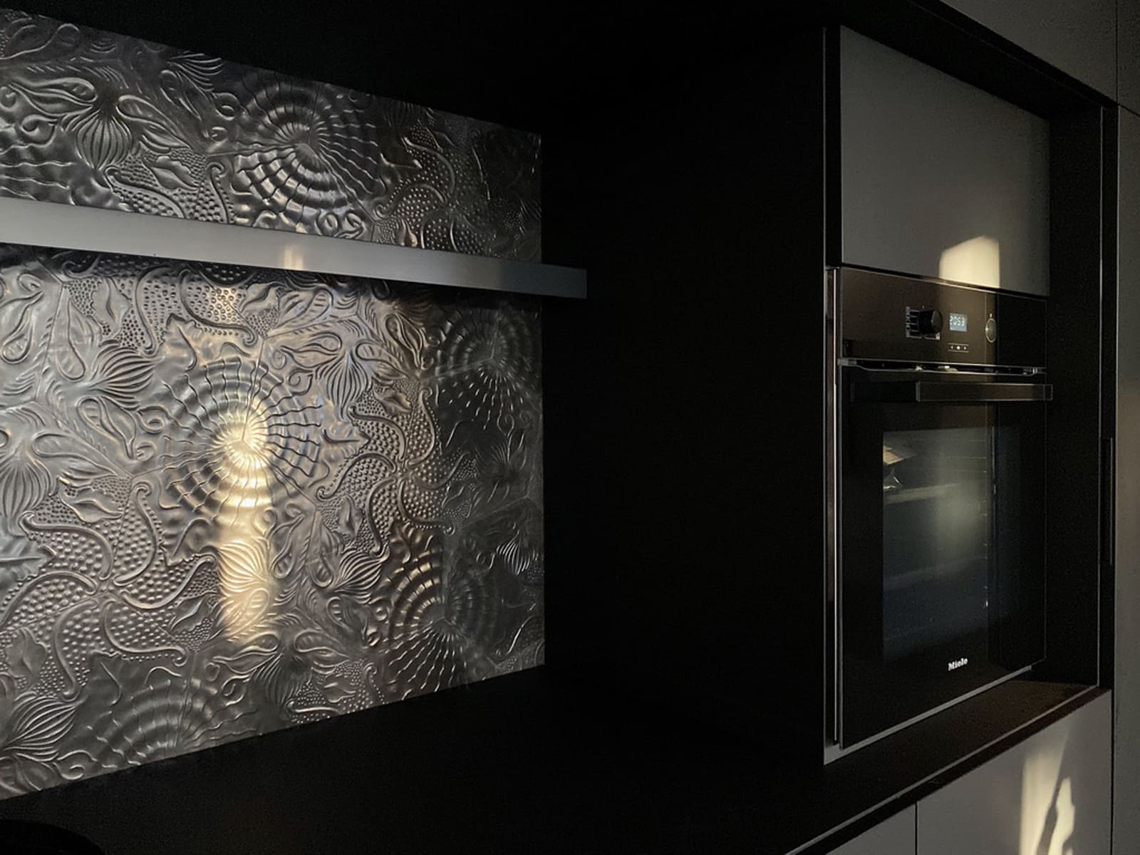 zementfliesen-terrazzofliesen-kreidefarbe-terrazzo-fugenlos-viaplatten-60G-foto-dpdesign62 | N° 60G