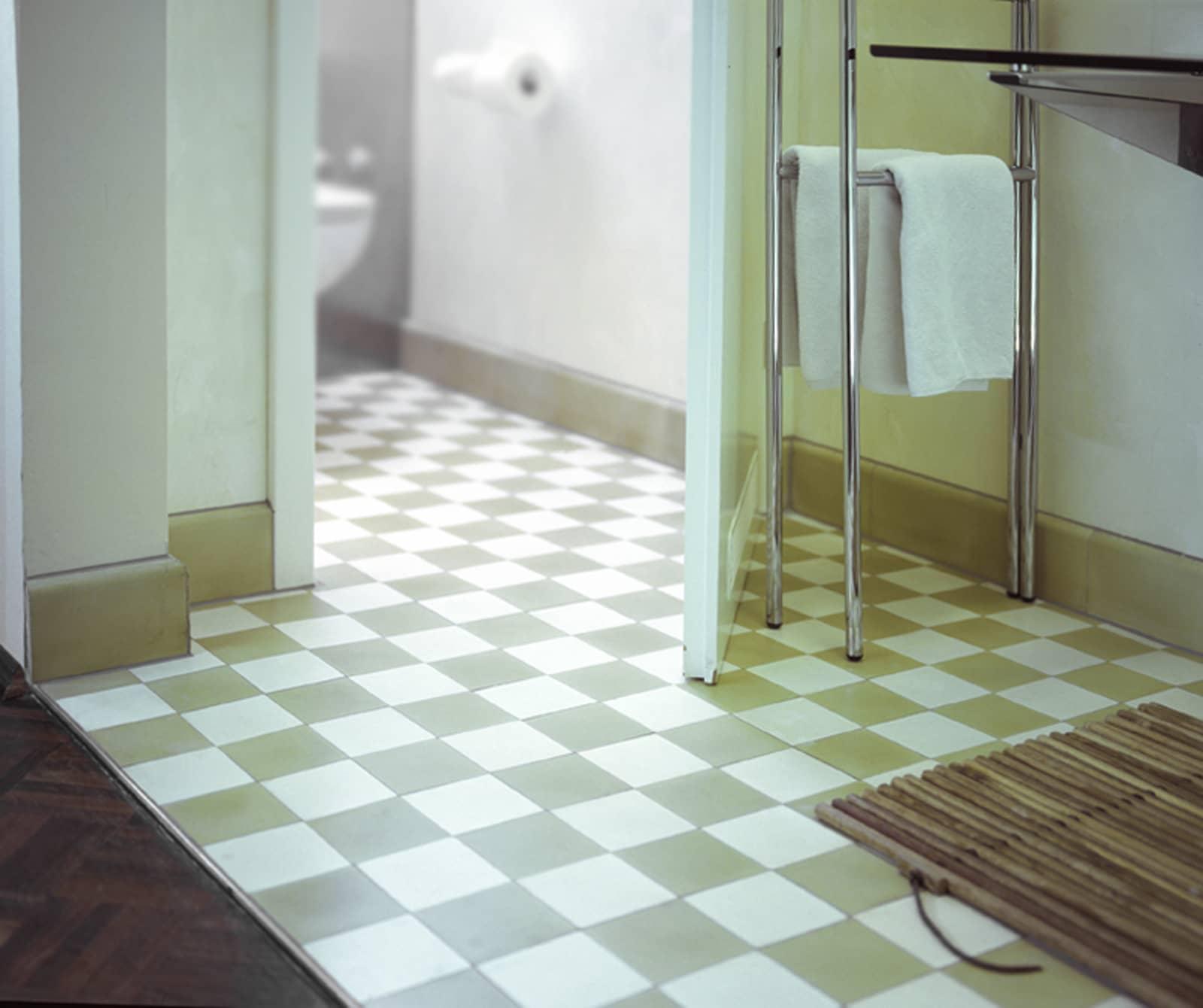 zementfliesen-terrazzofliesen-kreidefarbe-terrazzo-fugenlos-viaplatten-021-001-bad | 021