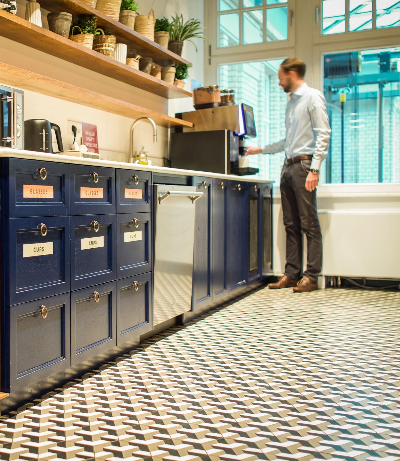 Coworkingspace-Berlin-zementfliesen-muster-600354-A-viaplatten | 600354