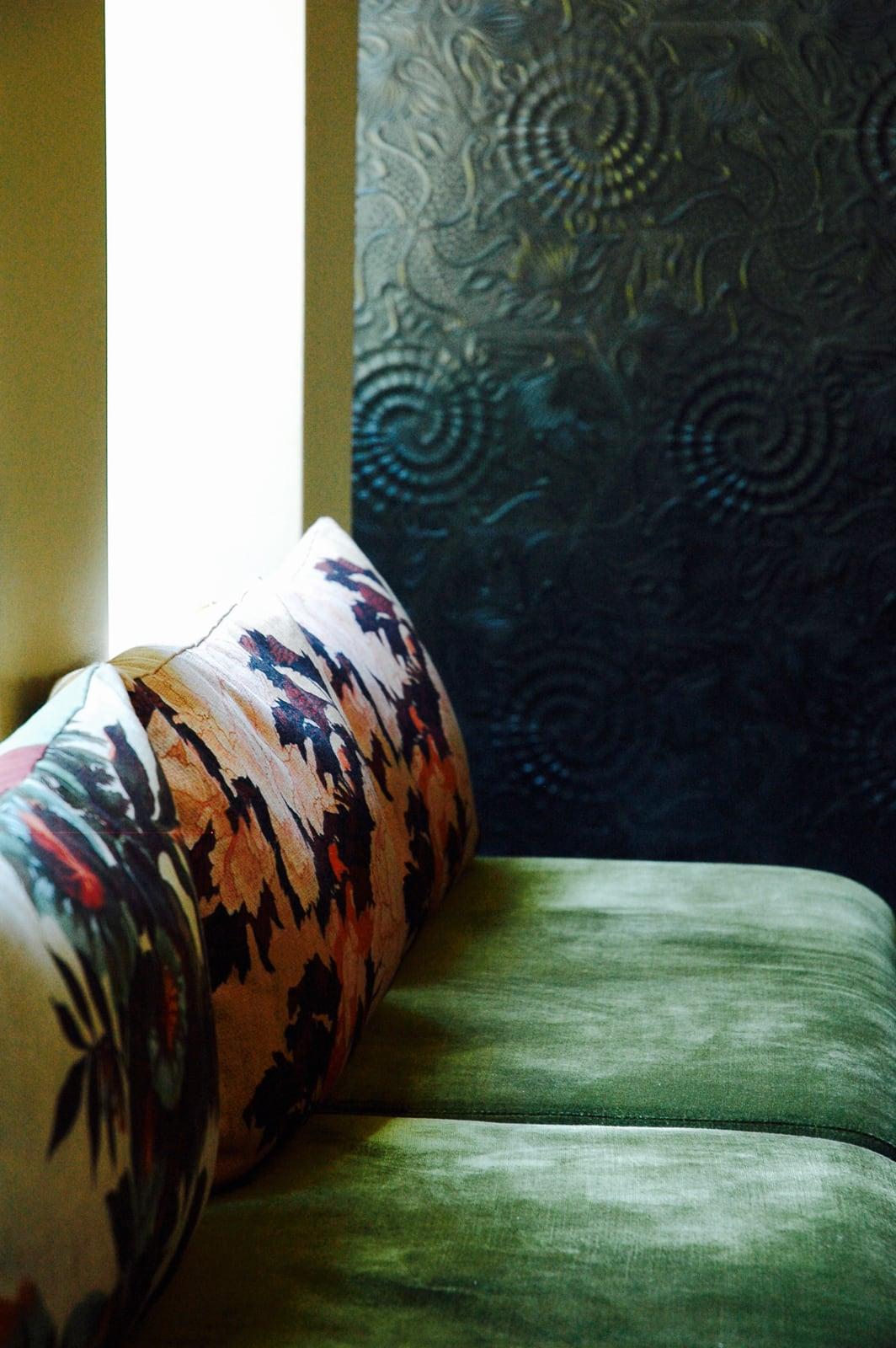 zementfliesen-terrazzofliesen-kreidefarbe-terrazzo-fugenlos-viaplatten-60G-greybar-02 | N° 60G