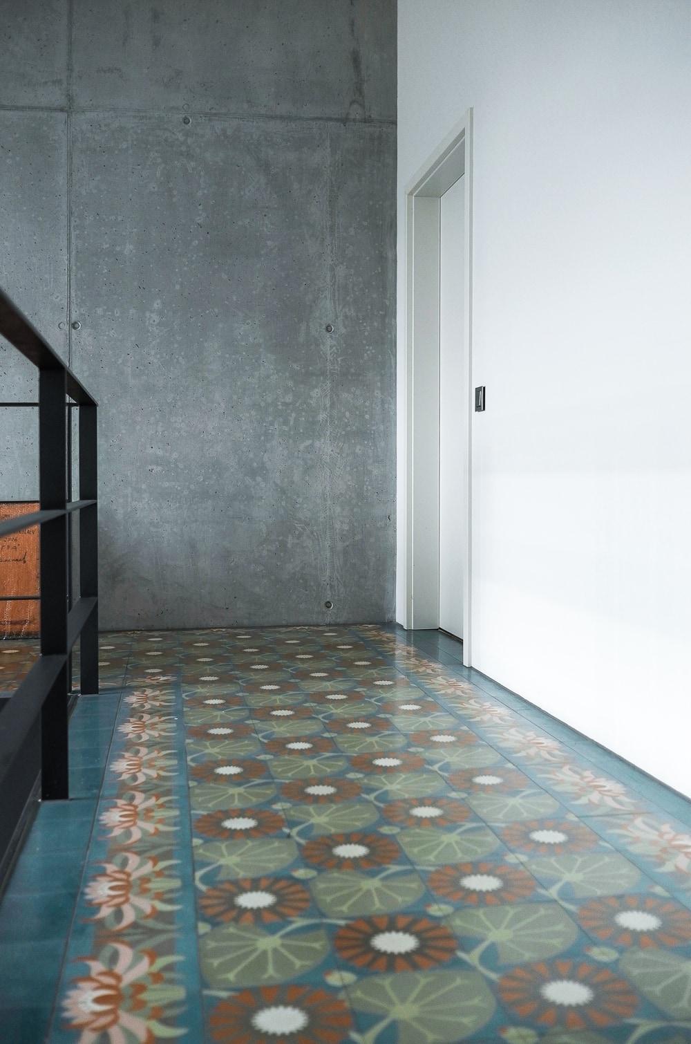 zementfliesen-via_zementplatten_51033-54_treppenhaus | 53033-54
