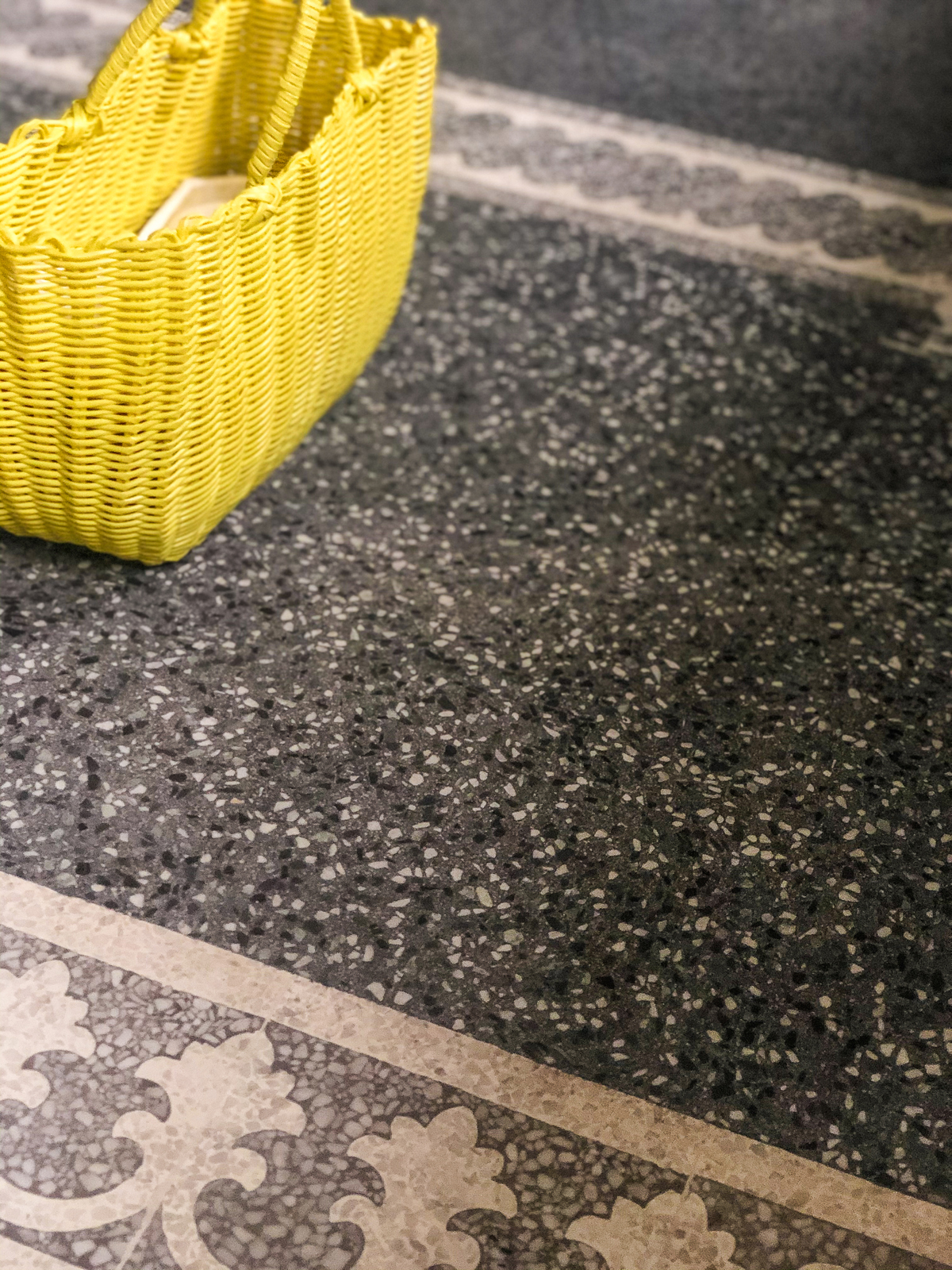 zementfliesen-viaplatten-terrazzo-fugenlos-rand-921054-920301 | N° T00952