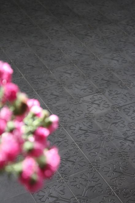 via_zementmosaikplatten_zementfliesen_zementplatten_terrazzoplatten_kreidefarben_nummer_51110_15x15cm_kirche_03