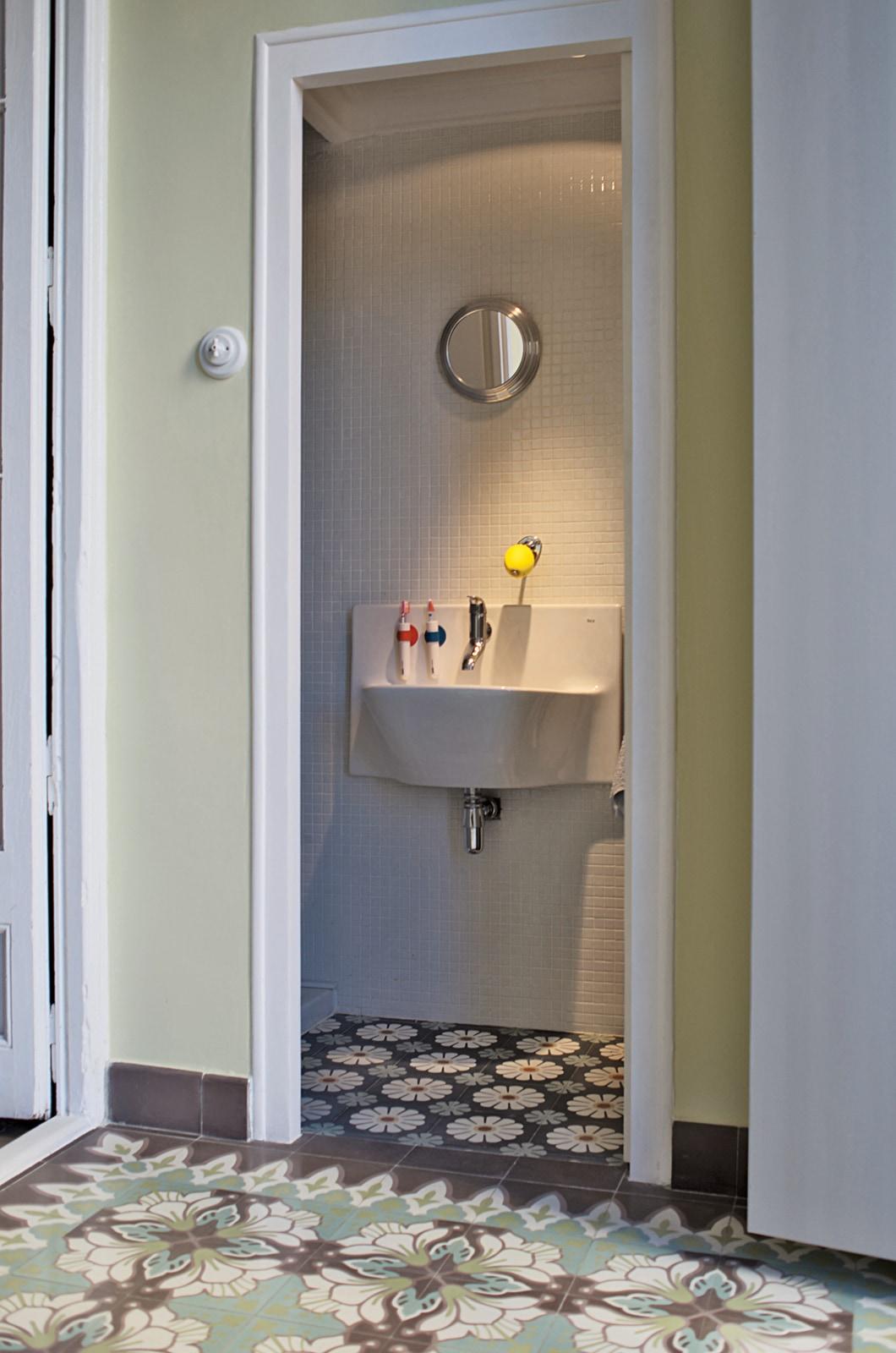 zementmosaikplatten-13744-gaeste-wc-viaplatten | 13744