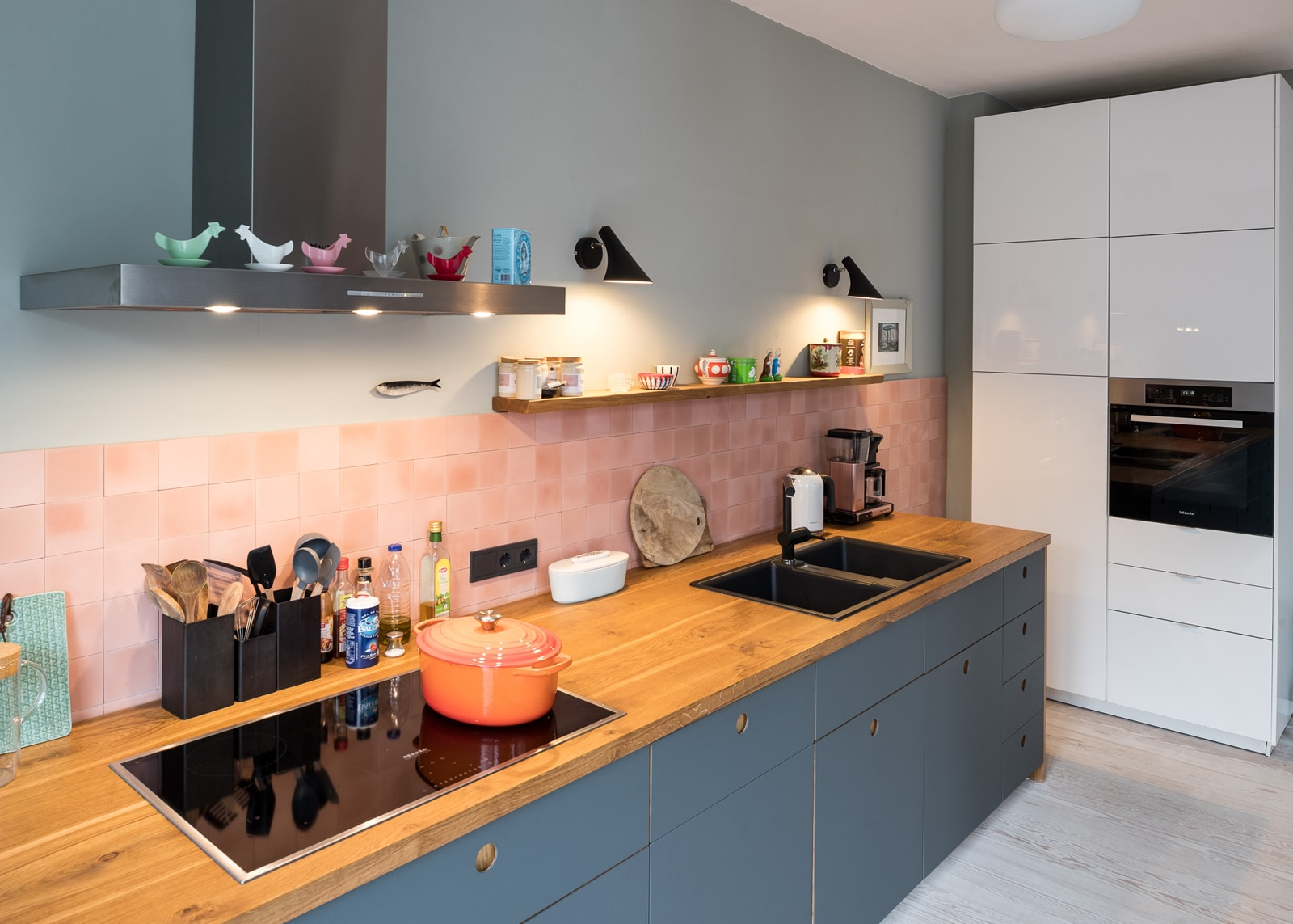 zementmosaikplatten-30-rosa-kueche-foto-Jan Meier-via-gmbh-02 |