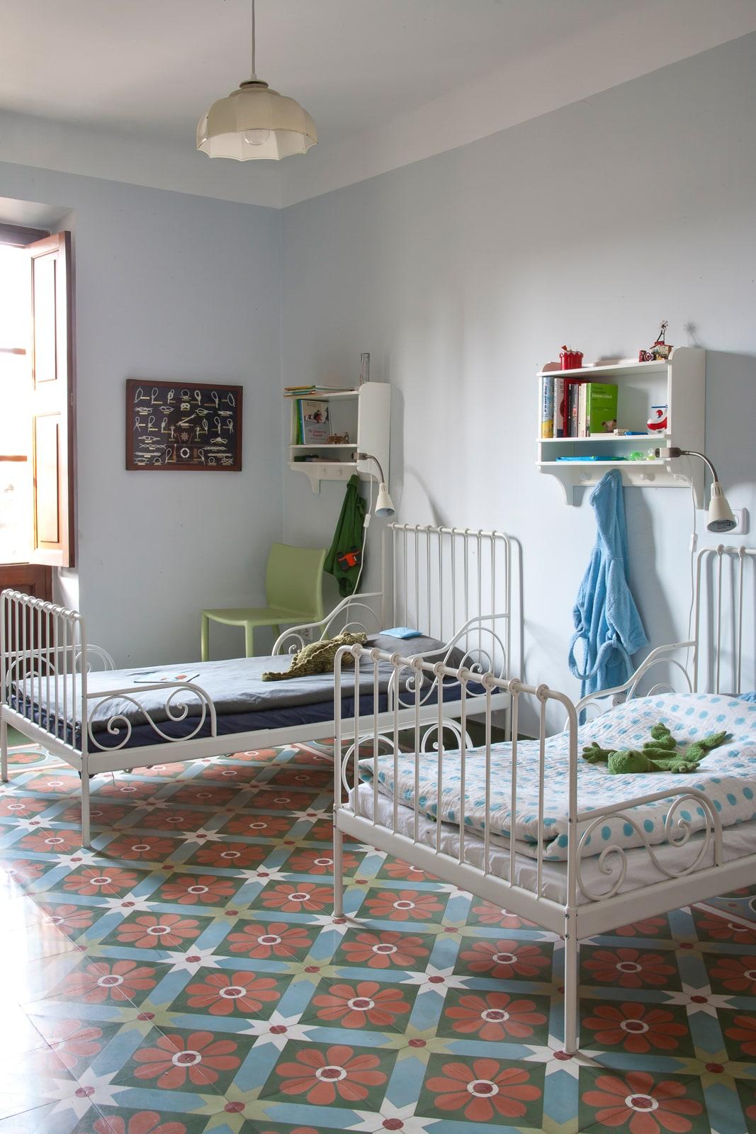 zementfliesen-terrazzofliesen-kreidefarbe-Eisblau-terrazzo-fugenlos-viaplatten-kinderzimmer | Kreidefarbe Eisblau 2500 ml