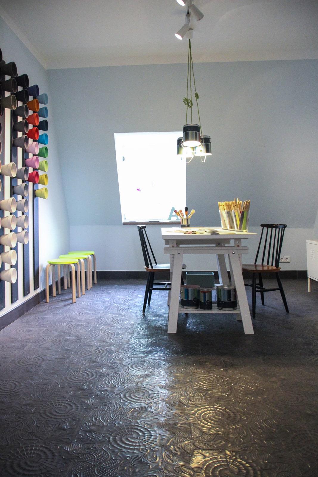 zementfliesen-terrazzofliesen-kreidefarbe-Eisblau-terrazzo-fugenlos-viaplatten-farbraum | Kreidefarbe Eisblau 2500 ml