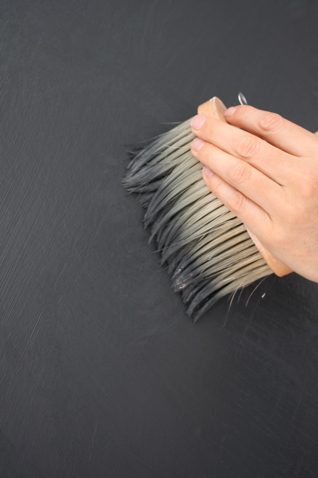 VIA-Kreidefarbe-604-Basalt-streichen | Kreidefarbe Basalt 2500 ml